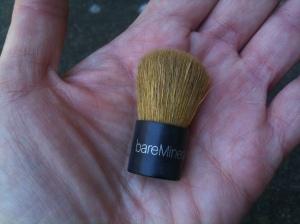 A mini kabuki brush