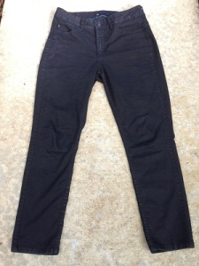 Lee Easy Fit Jeans come in black too